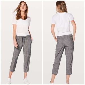 Lululemon Heathered Gray Final Play Crop Pant